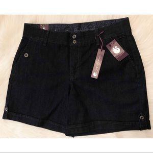NWT Gloria Vanderbilt Size 12 Denim Celine Shorts
